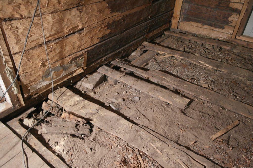 Stubbloftsleire i gamle gulv - derfor er gamle hus kalde