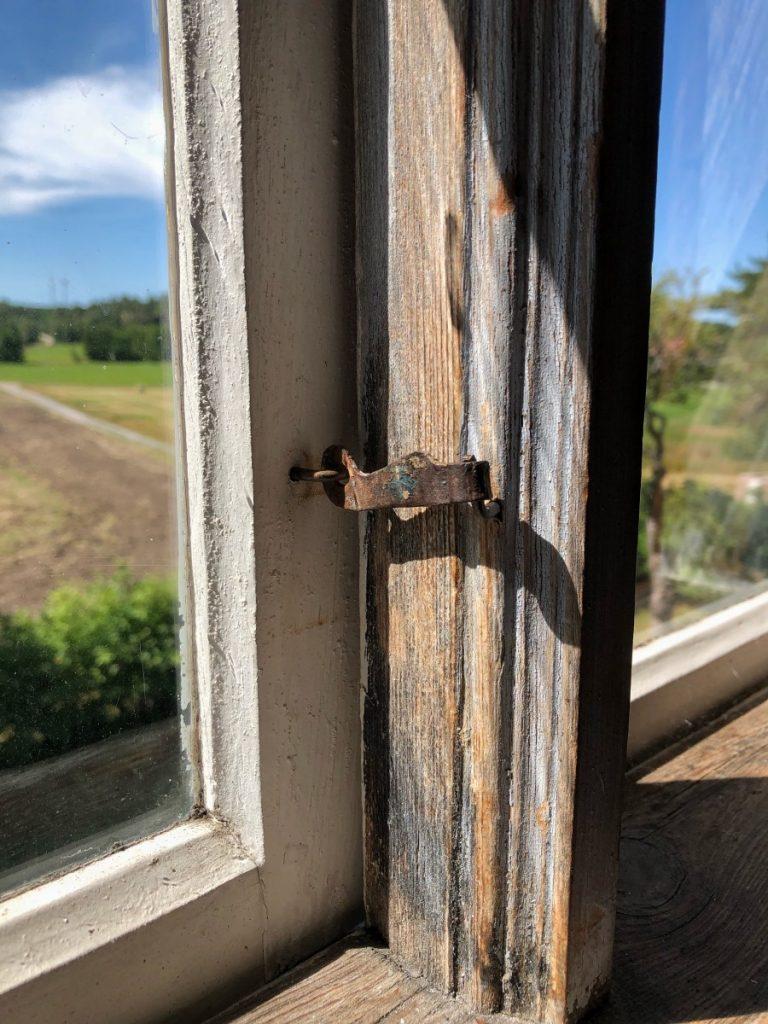 Gammel vindushaspe på Ånnerød