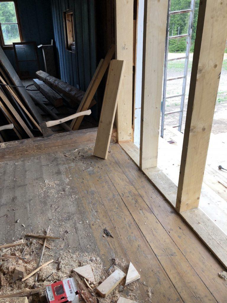 Ådring på gulvet på Skjeggenes. Gamle og nye historiske spor